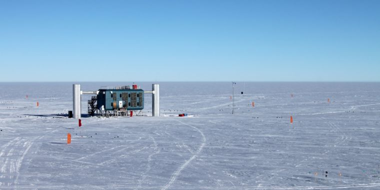 Neutrinos might decay undetectably, fixing issues in IceCube information