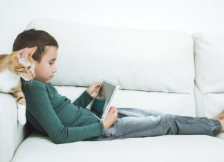 Study raises stress over how screen time impacts kids' brains