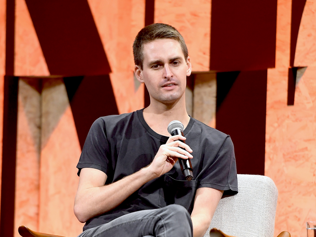 Snap topples listed below $8 for the very first time after expert states Instagram is 'irreversibly' harming the business (BREEZE)