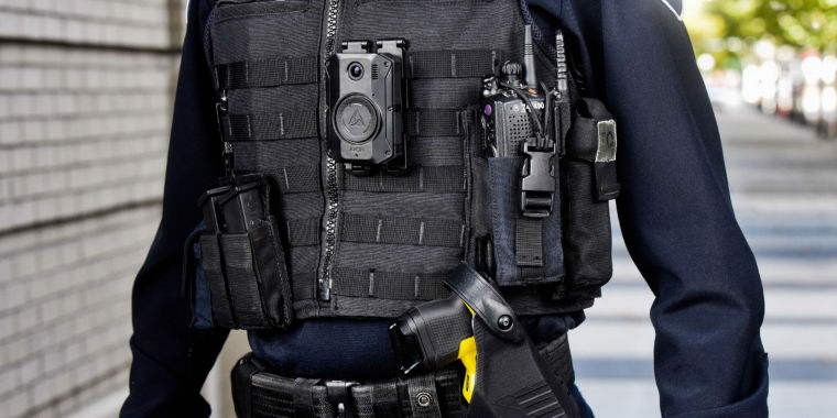 Next generation of body cameras for police officers can livestream, discover gunshots