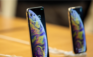 Apple problems a software application upgrade to repair an issue where the brand-new iPhones would not charge when you plug them in (AAPL)
