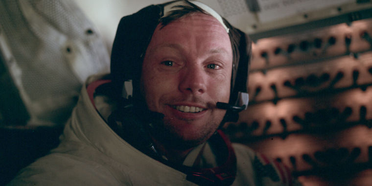 Video: What First Guy does and does not state about Neil Armstrong