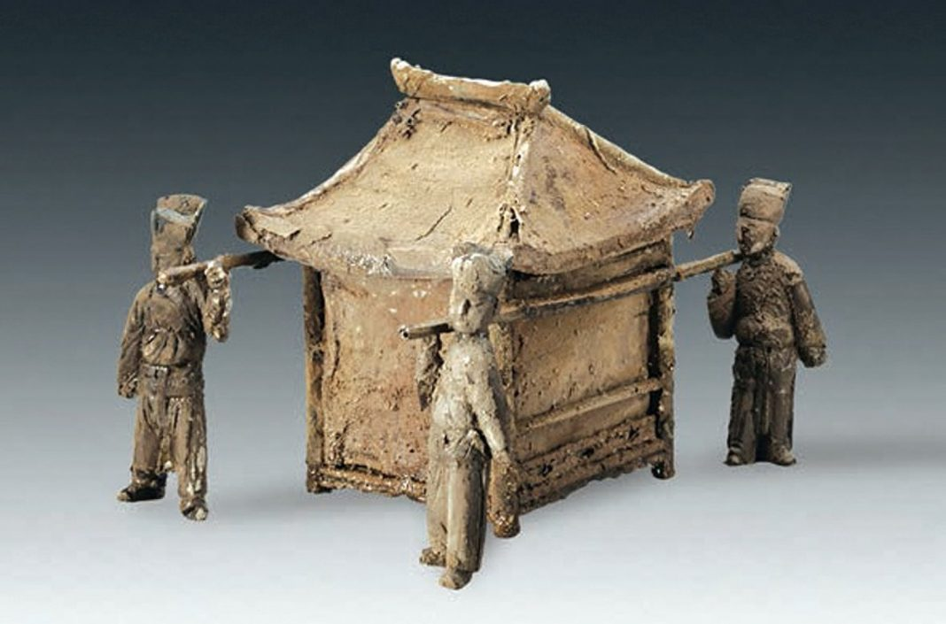 Images: Ancient Burial Place of 'Grand Girl' Discovered in China