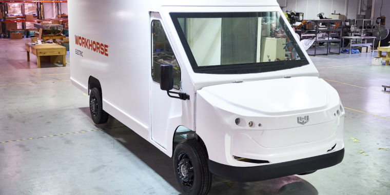 New 100- mile electrical van matches diesel vans on rate, Workhorse states