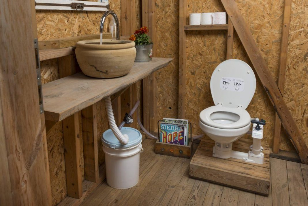 HomeBioGas Toilet Does Double Responsibility, Transforming Waste To Cooking Fuel