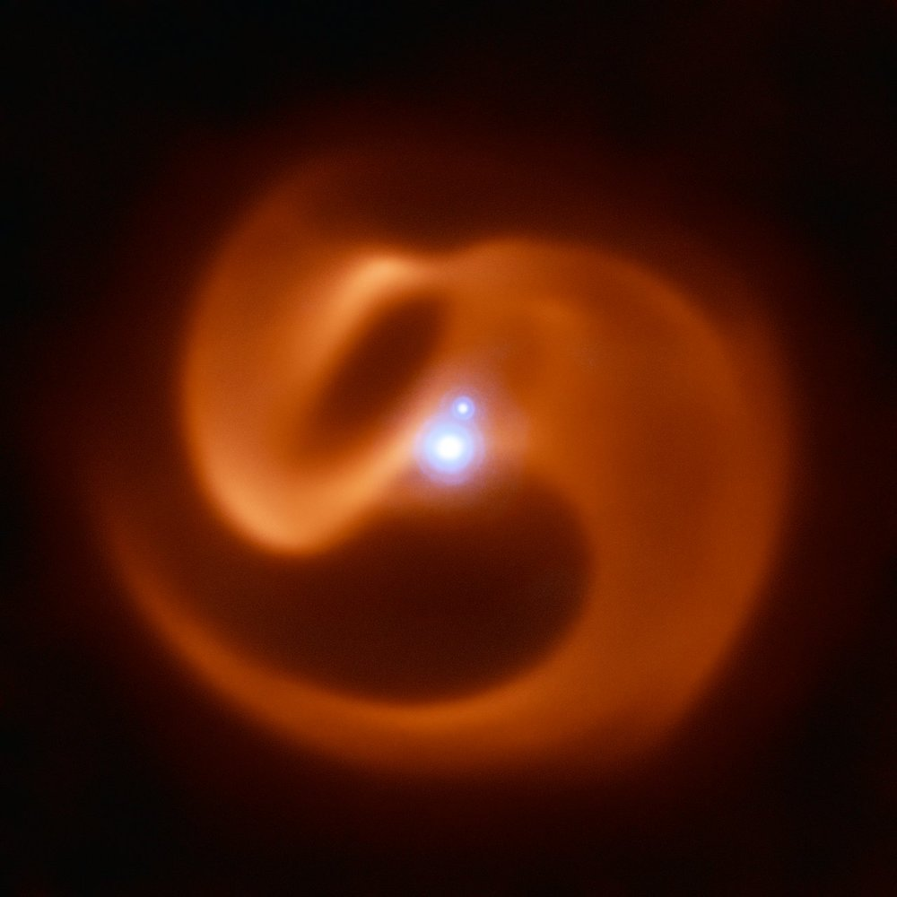 This Spinning, Snakelike Galaxy May Blast Gamma Rays into the Galaxy When It Passes Away