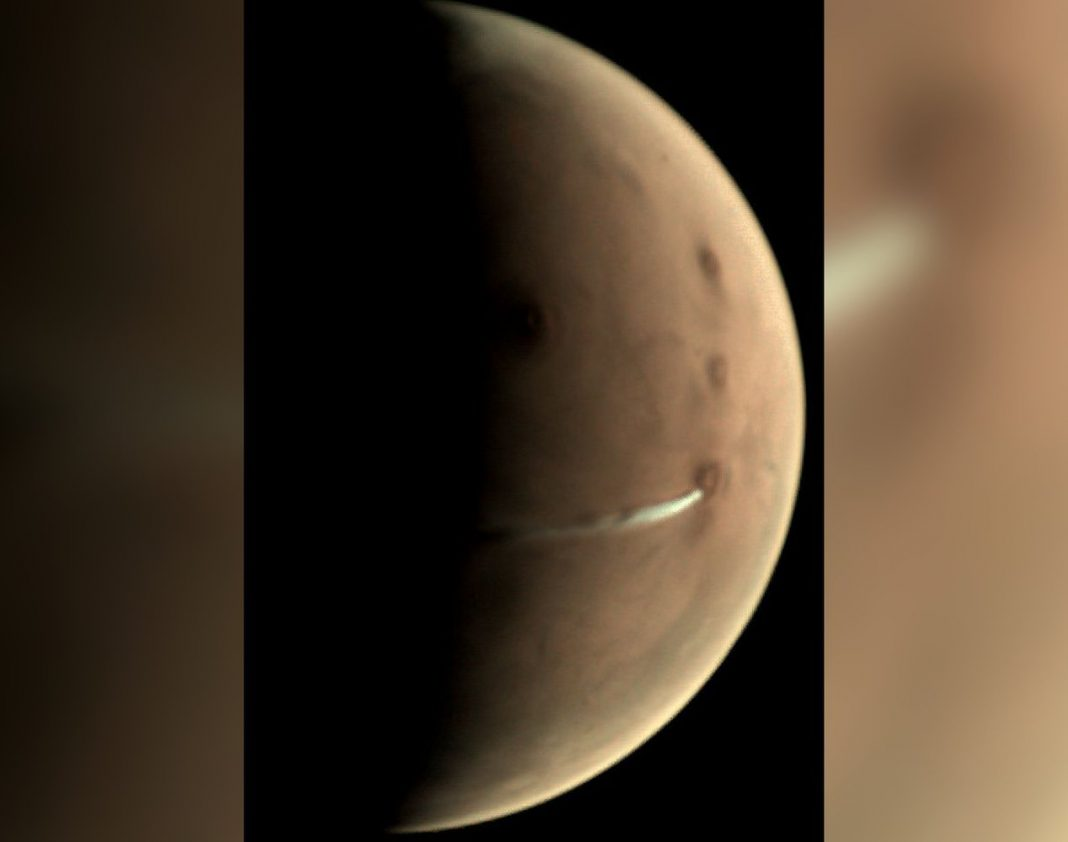 950- Mile-Long Cloud Found Over Martian Volcano. And It Has Staying Power.