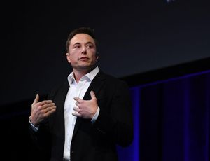 Elon Musk says '70 %' probability he'll transfer to Mars