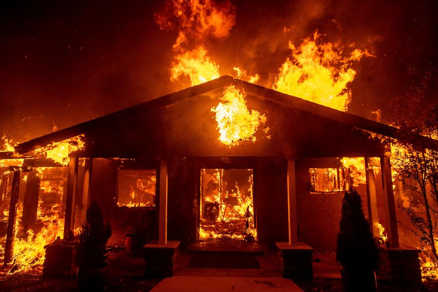 Here's Why This California Wildfire Is Spreading Out So Rapidly