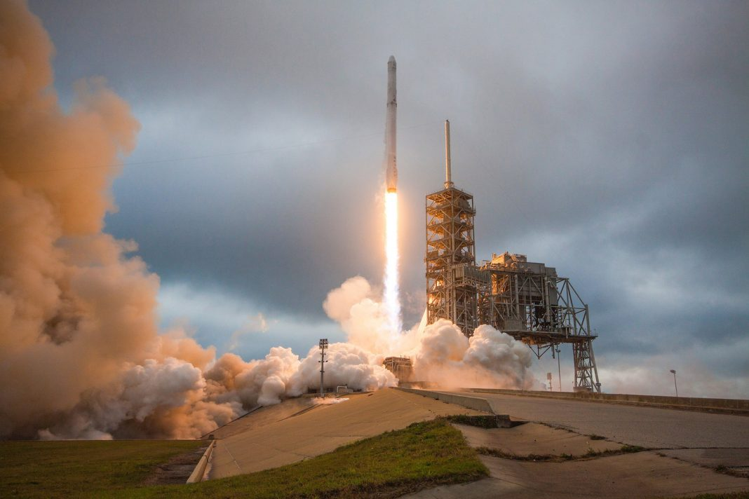 Musty Mouse Chow Delays SpaceX Dragon Release to Spaceport Station
