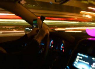 New York City votes to set minimum spend for Uber, Lyft motorists