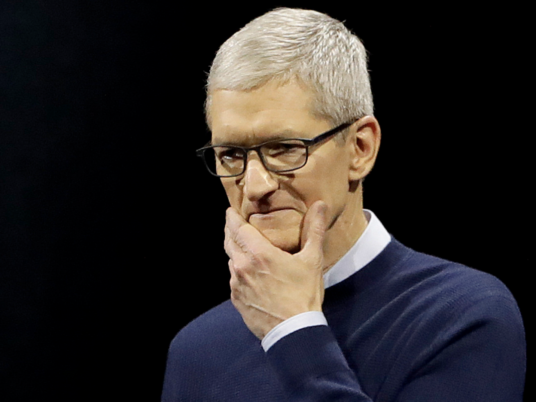 Hey Tim Cook, there's an easy option to your iPhone sales issue (AAPL)