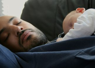 How to Get Sleep When You Have a Brand-new Infant