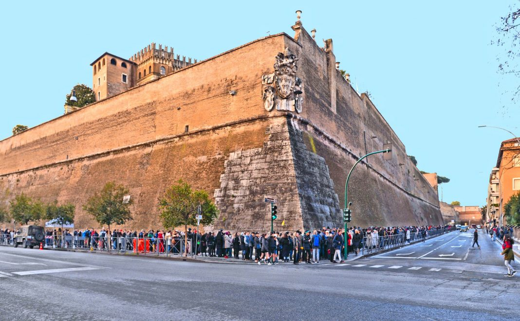 Trump Calls Wall 'Moral' Since Vatican Has One. So What's Its History?