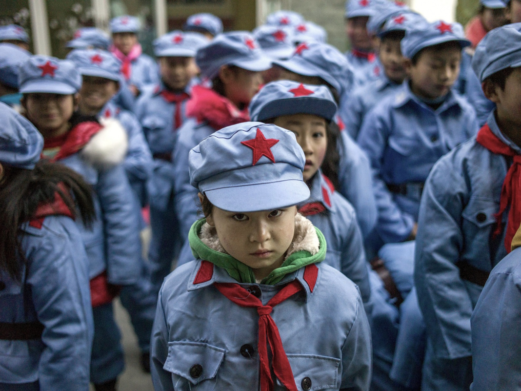 Chinese schoolkids are being tracked and kept track of through tech implanted inside their 'wise uniforms'