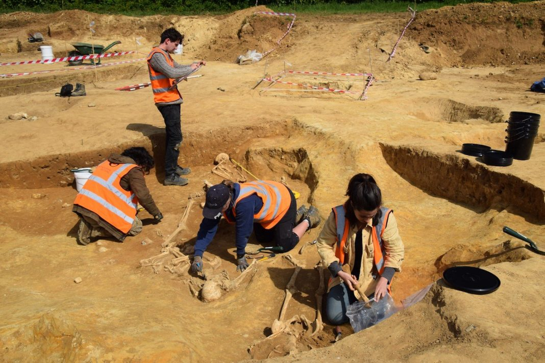 Pictures: Decapitated Romans Found in Ancient Cemetery