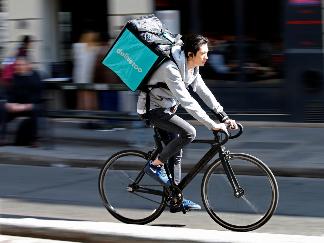 Deliveroo, the $2 billion food shipment start-up yearned for by Uber, has actually lost among its magnates