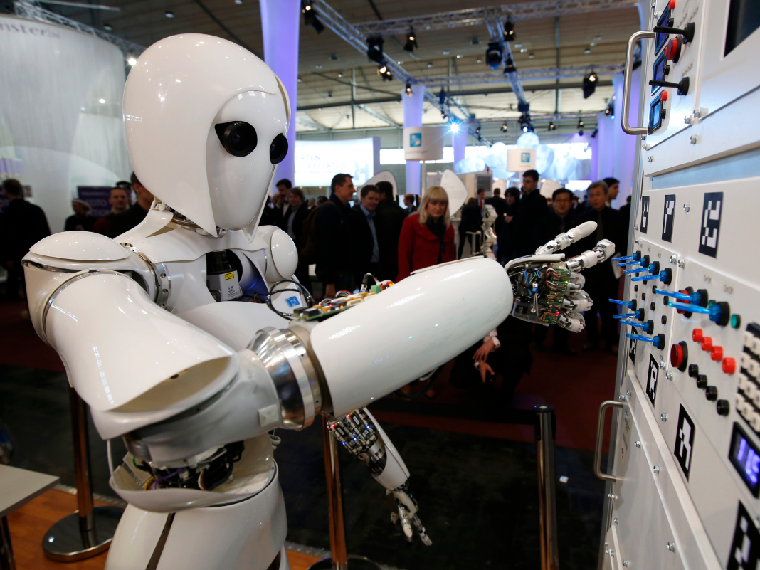 A JPMorgan officer discusses why AI will not take control of the fintech world whenever quickly