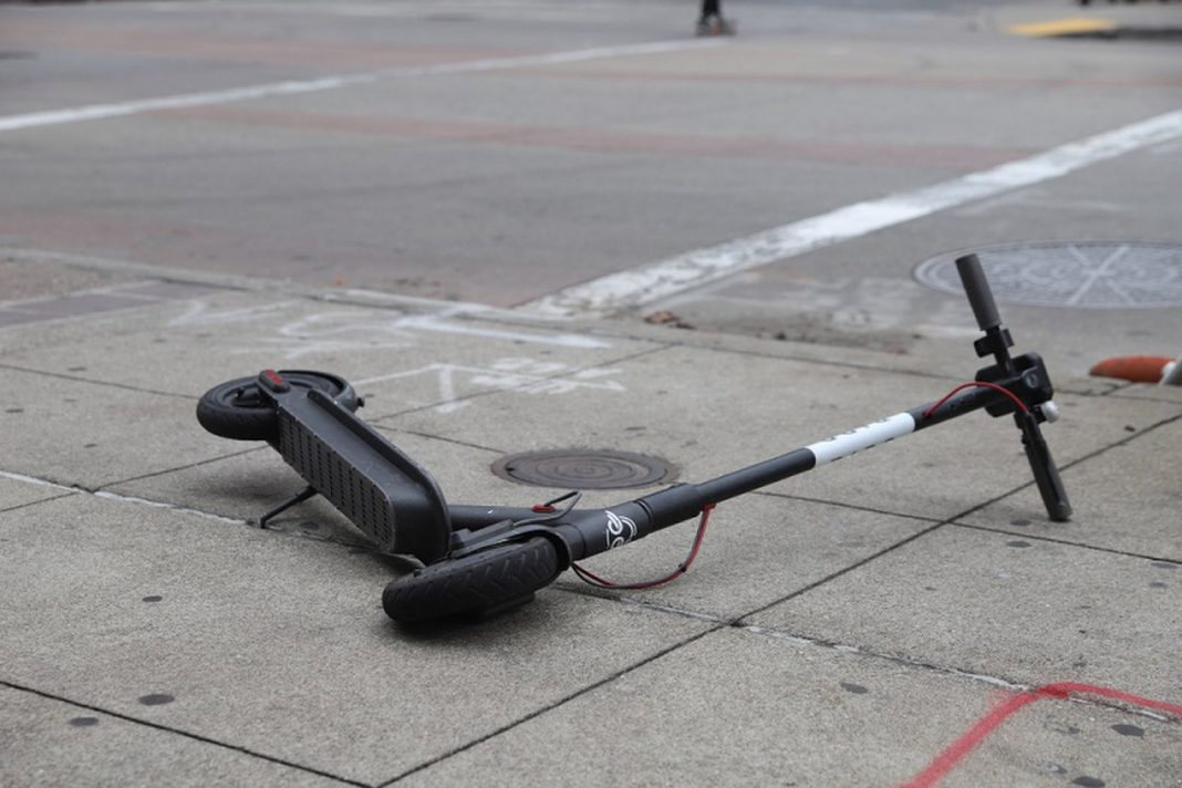 Individuals Keep Hurting Themselves on Electric Scooters, Research Study Discovers