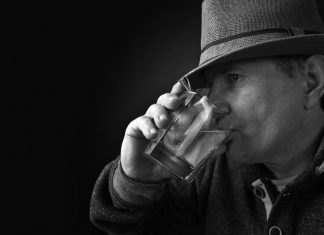 As Alcoholism Increases In Older Americans, Geriatrician Provides Tips For Those Who Imbibe Over 65