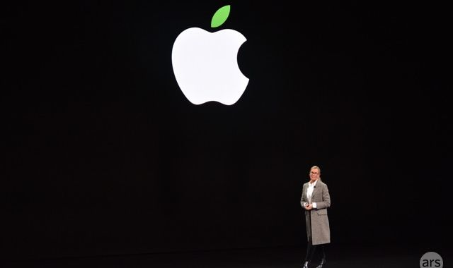 Angela Ahrendts, leader of Apple's retail efforts, will leave the business in April