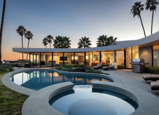 Elon Musk is offering his $4.5 million house that ignores Los Angeles. Here's an appearance inside