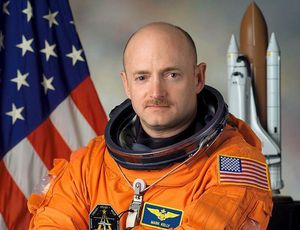 Previous NASA astronaut Mark Kelly to run for John McCain's Senate seat