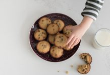 Social Network May Sway Kids To Consume More Cookies– And More Calories