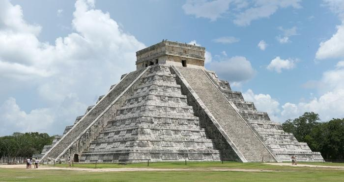 Maya Sanctuary Untouched For A 1000 Years Found In Cavern Below Chichén Itzá