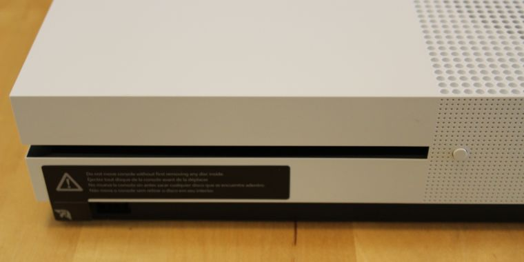 "Discless Xbox ""Radical"" might show up as quickly as May"