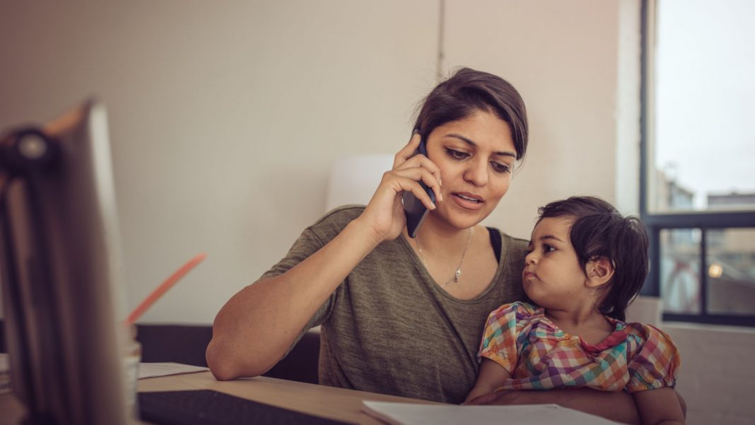 Divulge That Your Kid Is With You When You Start a Phone Satisfying