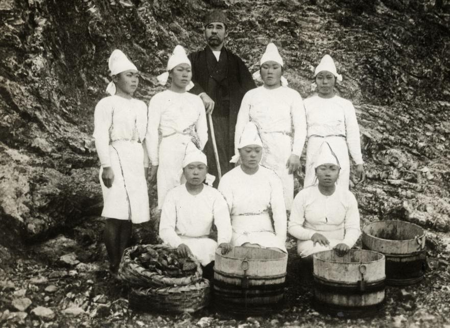 Meet The Female Pearl-Divers of Japan: The 'Ama'