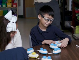 Microsoft tech teaches kids who are blind how to code video