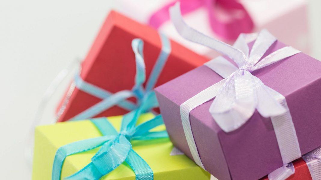 Let Children Get Presents at Their Birthday Celebrations
