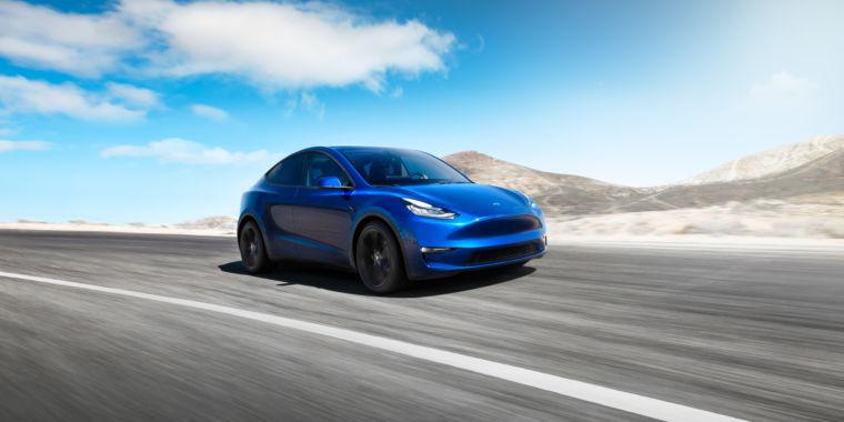 At fast Los Angeles occasion, Tesla reveals the 300- mile-range Design Y