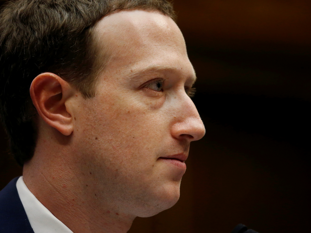 This warning in a Facebook officer's bye-bye letter reveals there's bad blood over Mark Zuckerberg's extreme personal privacy strategy