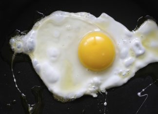 Cholesterol Redux: As Eggs Pick Up, New Questions About Health Threats