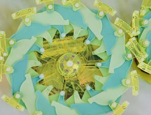 Researchers establish shape-shifting 'particle robotics' with a kids's toy
