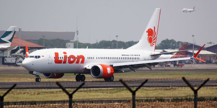 Lion Air 737 MAX team had seconds to respond, Boeing simulation discovers