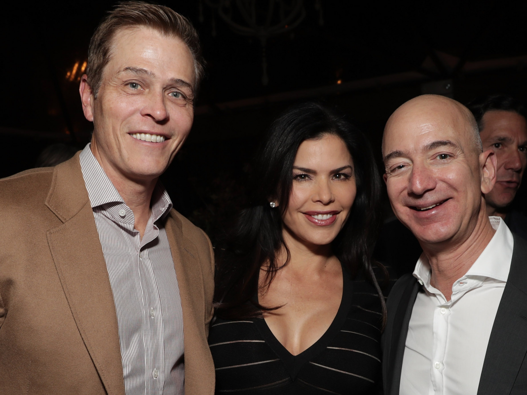 Lauren Sanchez has actually apparently applied for divorce from her spouse a day after Jeff and MacKenzie Bezos settled the regards to their divorce