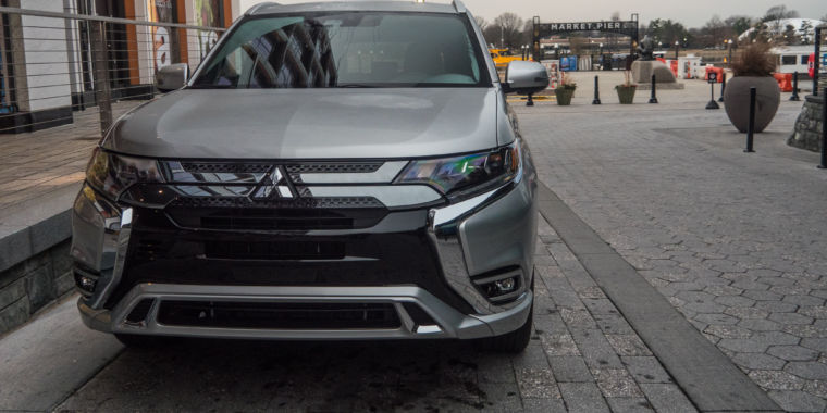 A large plugin SUV for under $36,000? The Mitsubishi Outlander PHEV