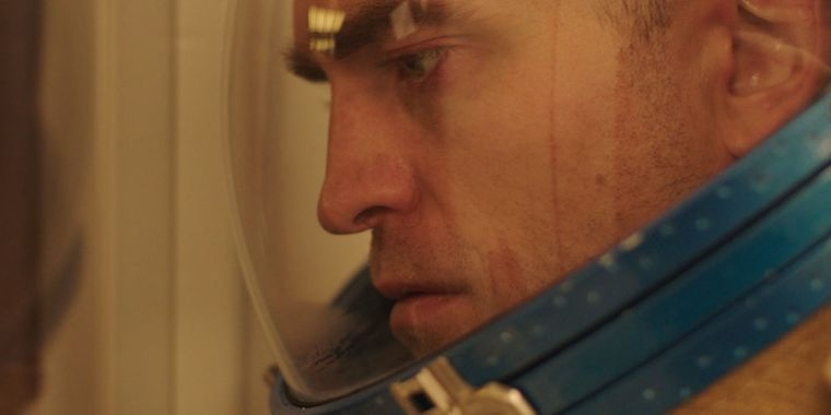 """Whatever you anticipate from """"Robert Pattinson in area sci-fi,"""" Jet set isn't it"""