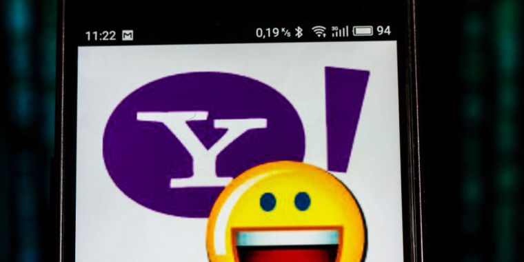 Yahoo attempts to settle 3-billion-account information breach with $118 million payment