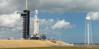 SpaceX scrubs Falcon Heavy launch due to upper level winds [Updated]