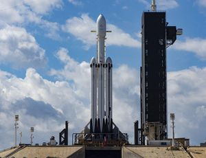 SpaceX Falcon Heavy rockets into historical past and nails the touchdown