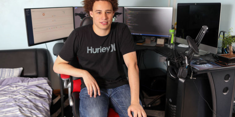Marcus Hutchins, slayer of WannaCry worm, pleads guilty to malware charges