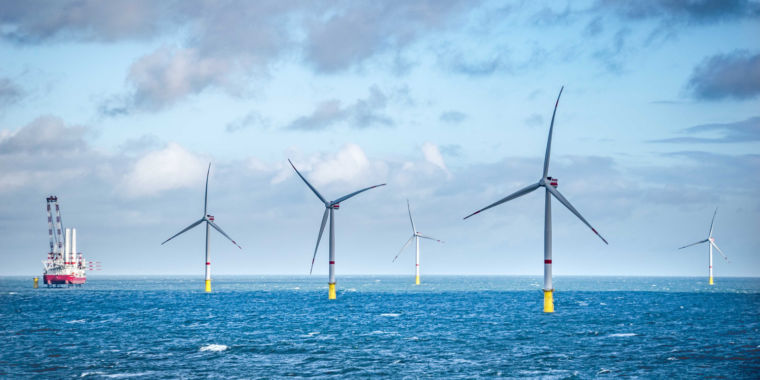 Massachusetts offshore wind job gets green light at approximately 8.9 cents/kWh