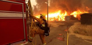 Wireless providers battle restriction on throttling firemens throughout emergency situations