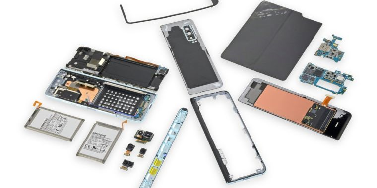 Samsung puts the screws to iFixit, makes it eliminate the Galaxy Fold teardown