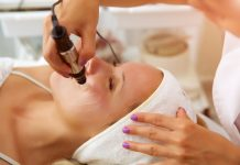 'Vampire Facial' at New Mexico Health Spa Likely Exposed 2 Individuals to HIV